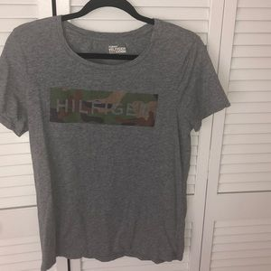 Tommy Hilfiger sz M tee shirt in gray
